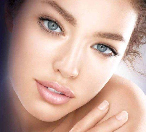 top-10-los-productos-de-maquillaje-imprescindibles-iluminador