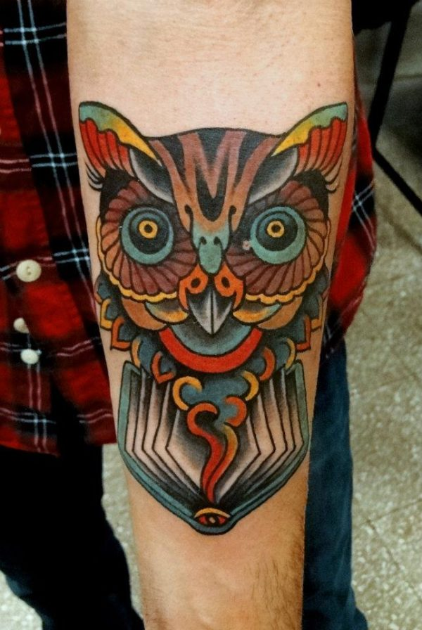 tatuajes-brazo-hombre-buho