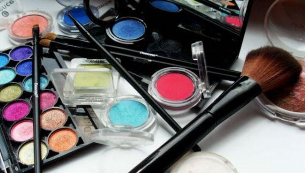 maquillaje-profesional-materiales