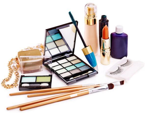 como-maquillar-el-acne-paso-a-paso