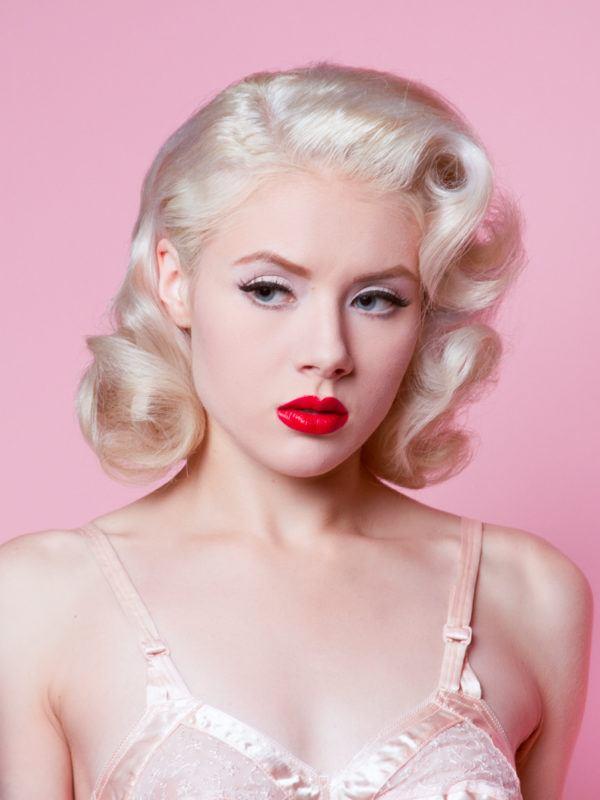 M s de 30 fotos de peinados y maquillaje pin up - Peinados pin up fotos ...