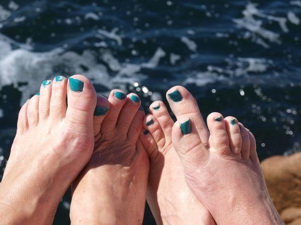 unas-pies-color-mar