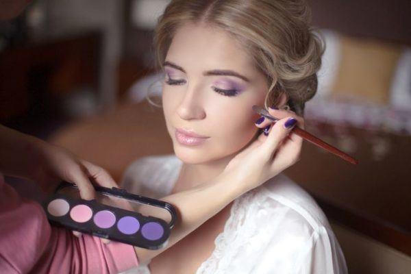 maquillaje-para-vestido-morado-paso-a-paso-nude