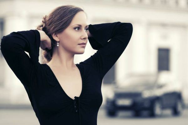 maquillaje-para-vestido-rojo-negro-o-azul-vestido-negro1