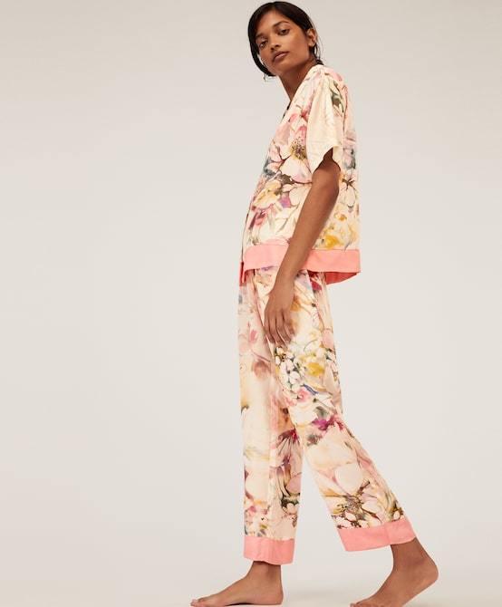 rebajas-oysho-pijama-largo-flor-multicolor-oysho.jpg