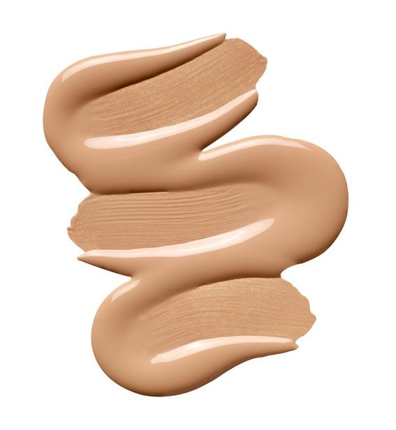 Como elegir la mejor base de maquillaje para tu rostro crema