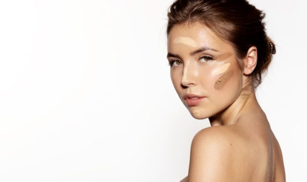 Como elegir la mejor base de maquillaje para tu rostro edad
