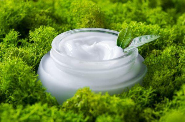 evitar-el-moho-en-la-cosmetica-natural-istock4
